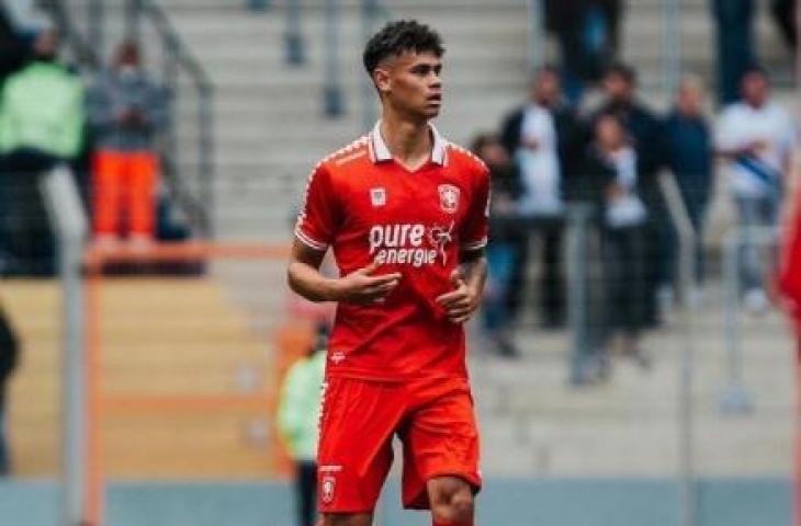Pemain keturunan Indonesia yang bermain di FC Twente, Mees Hilgers. (Instagram/meeshilgerss)